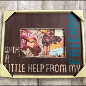 🎁NEW in package-cute Friends 4x6 frame😊